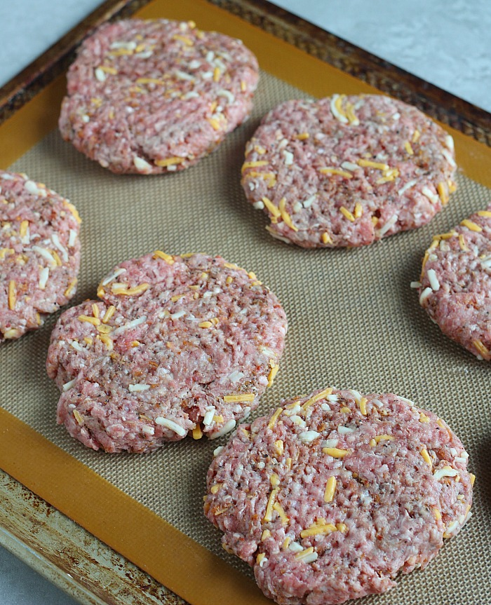 No need to buy store bought freezer patties when it's cheaper to make your own--plus you know exactly what's in them! via @DashOfEvans