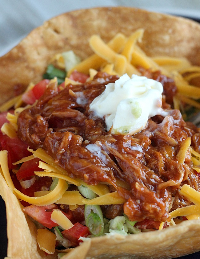 Quick and easy meal for lunch or dinner: Pulled Pork Taco Salad! via @DashOfEvans