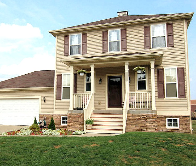 Becoming a #GoalGetter with Huntington Bank on my side has been so easy! Check out my story about how we budgeted for our new house! via @DashOfEvans