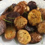 Summery Lemon Garlic Potatoes are an easy and delicious side dish full of flavor and perfect for the summer. by Dash of Jazz