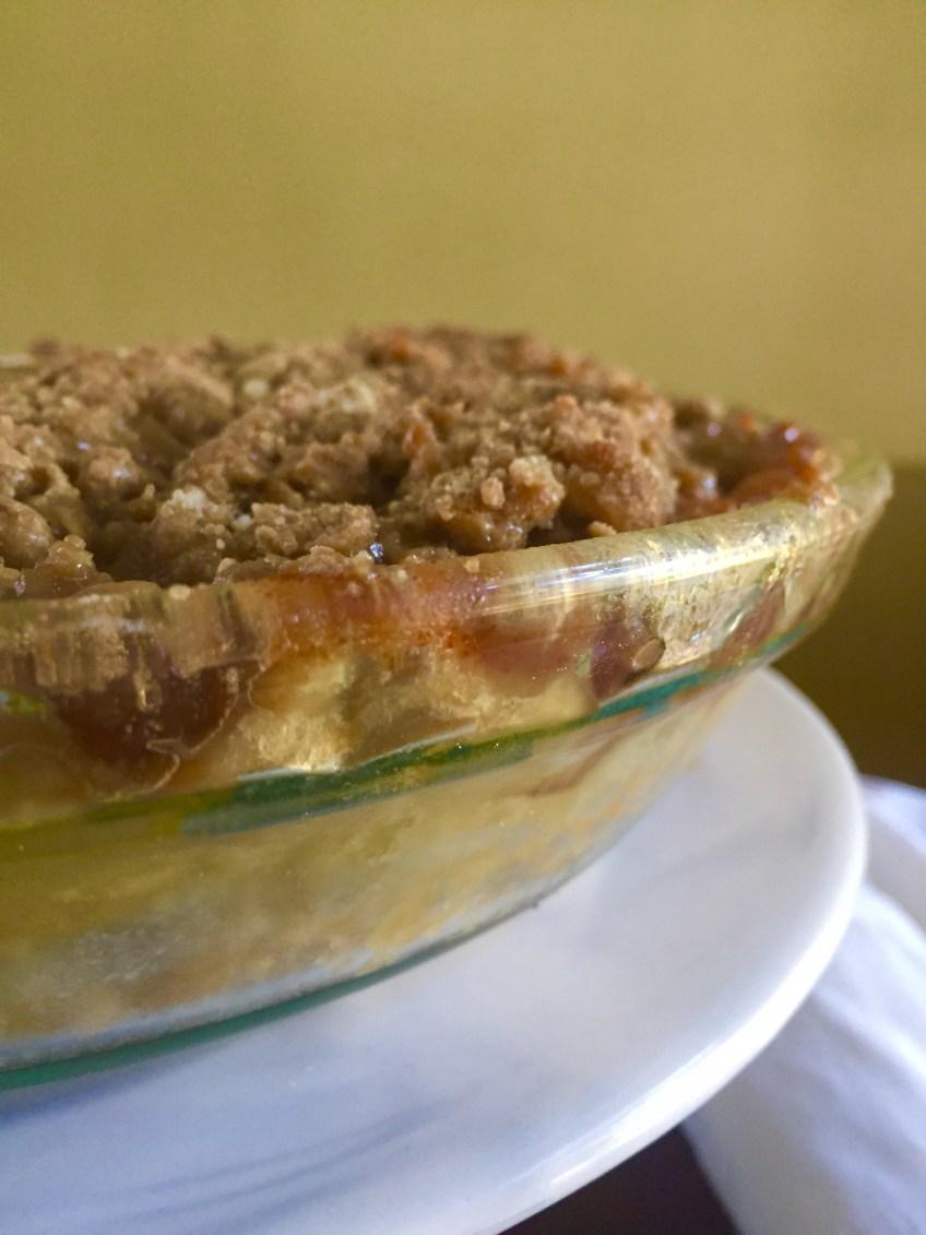 Ultimate Autumn Apple Pie | Dash of Jazz