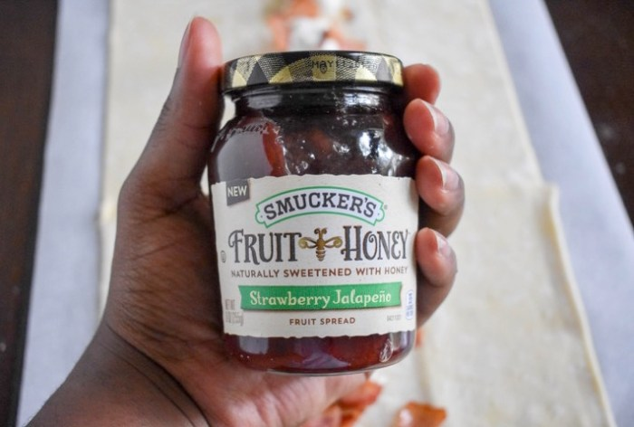 smucker's stawberry jalapeno fruit spread