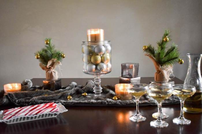 glamorous holiday tablescape