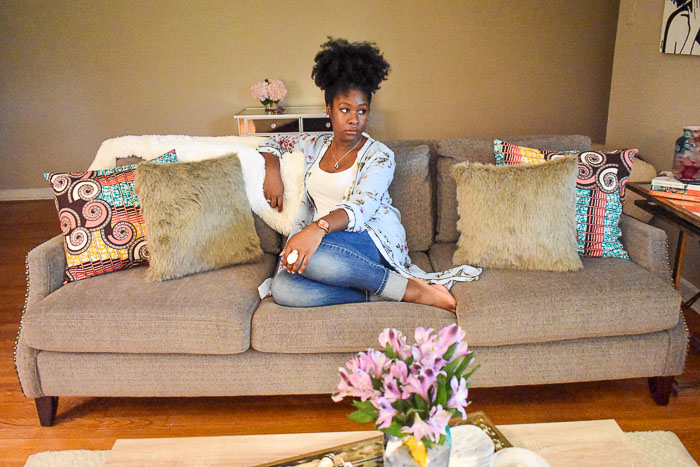A look inside the entertaining-friendly living room of Food Blogger and Southern