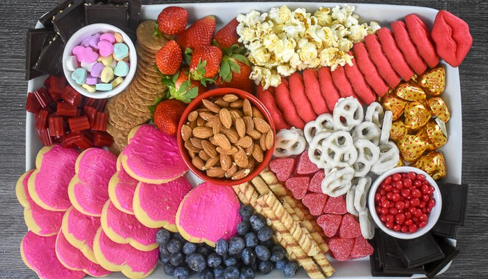 How to Make a Valentine's Dessert Board