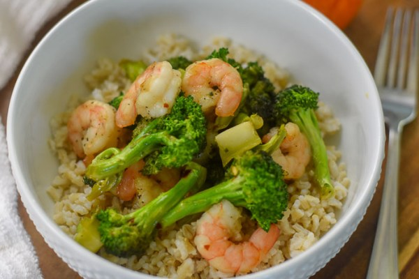 Sweet & Spicy Shrimp Broccoli Stir Fry (in 20 minutes!)