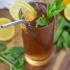 Refreshing Ginger Peach & Mint Iced Tea