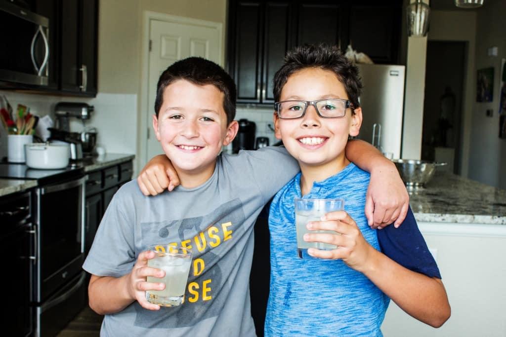 BEST EVER LEMONADE – Madden and Benny enjoying lemonade