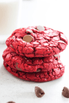 red velvet cookies, chocolate chips, glass, milk, red velvet, cookie