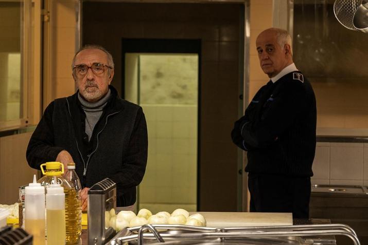 Recensione di Ariaferma, nuovo film di Leonardo Di Costanzo con Toni Servillo e Silvio Orlando. Fuori concorso a #Venezia78