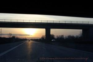 romantischer autobahnsonnenuntergang1