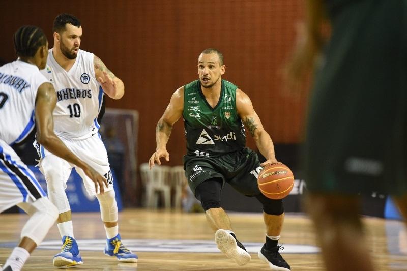 Alex Garcia foi um dos destaques do Bauru no jogo / Foto: Victor Lira/Bauru Basket