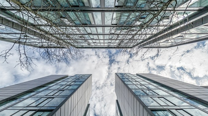 Which is right for your organization: Cloud, On-Premise Data Center or a Hybrid Solution?