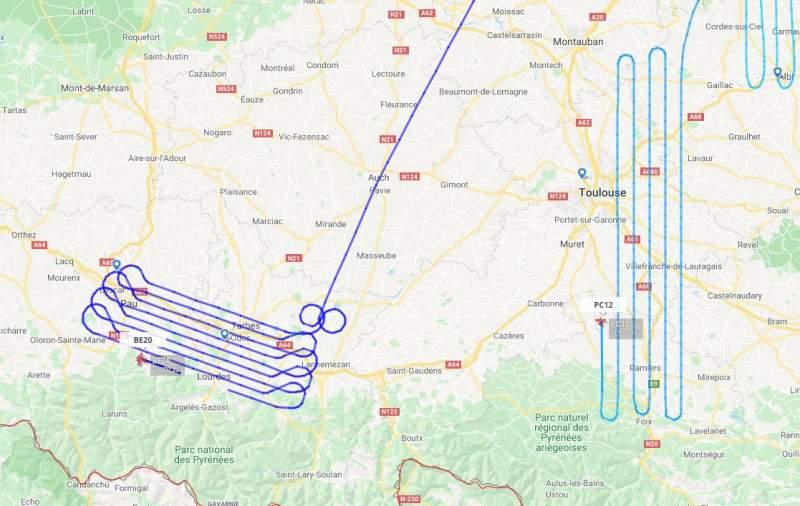 Pourquoi des avions font ces trajectoires linéaires étranges ?