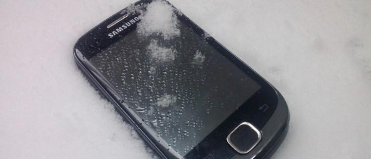 mobilni-telefon-sneg