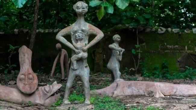 Filmmaker arrested 'for recording porn' at Osun Osogbo sacred grove    Dateline Nigeria