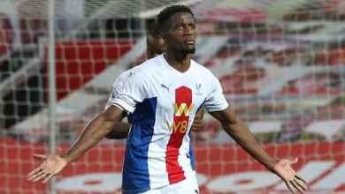 Photo of Zaha scores double as Palace thrash Man Utd