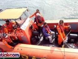 Perahu Nelayan Mentawai Diterjang Ombak, Satu Orang Terseret Arus