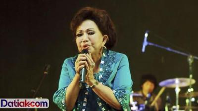 Ayam Den Lapeh – Chord dan Lirik Lagu Minang
