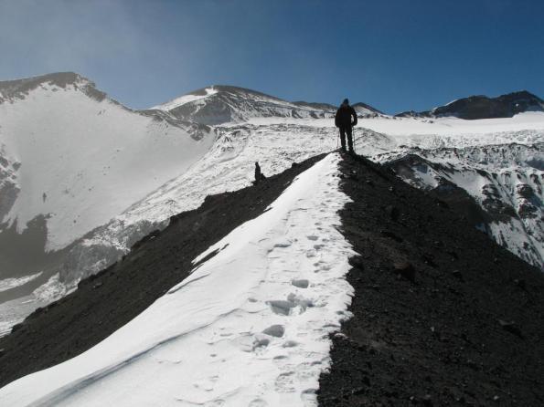 Vista hacia la Punta Meier desde la cumbre del Tupungatito