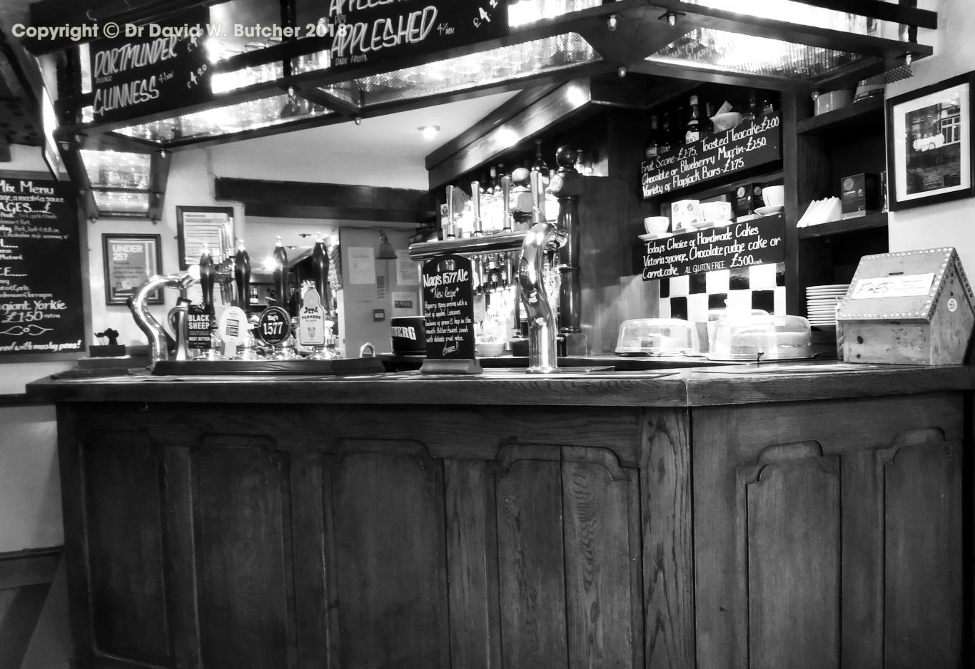 Edale Nags Head Bar