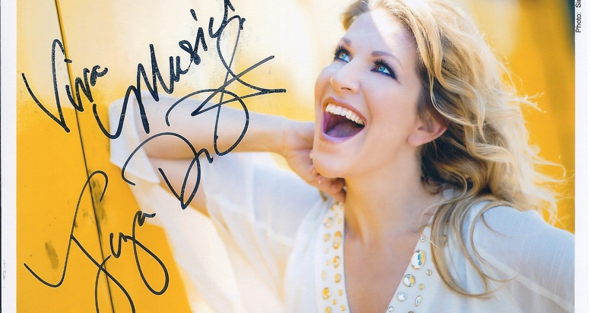 Signed 4x6 of Mezzo-Soprano Joyce DiDonato received TTM 11/16/2016