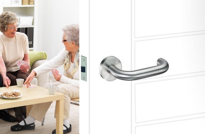 Return to door handles