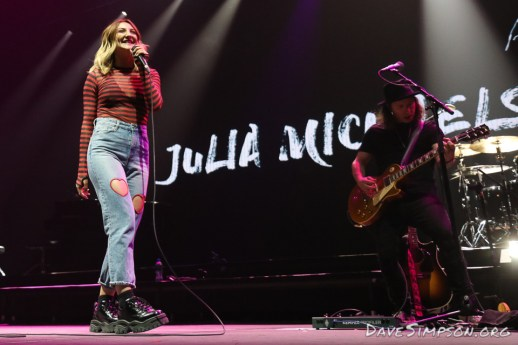 Julia Michaels supporting Shawn Mendes at Spark Arena, Auckland, New Zealand 25 November 2017
