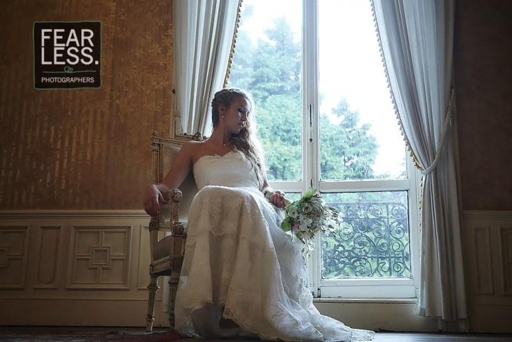 Bruid voor het raam
