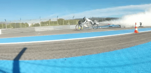 Watch man trounce a Ferrari on his 207 mph rocket bike – CNET