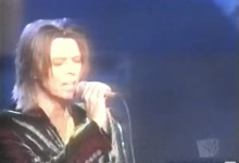 David Bowie receiving the Legend Award and performing 2 songs at the WB Music Awards (1999)