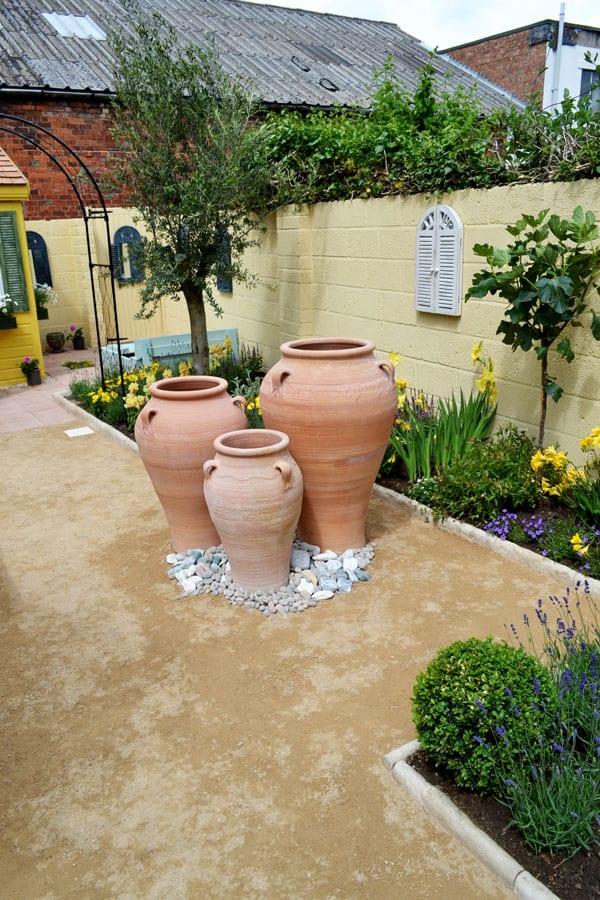 Love Your Garden episode 6: Get the Mediterranean look on Small Mediterranean Patio Ideas id=91756