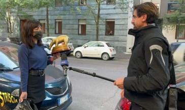 Tapiro ad Ambra, Striscia la Notizia replica alle critiche della ministra Bonetti: «Doppiopesismo»