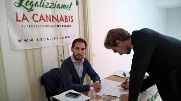 foto_legalizziamo_firma