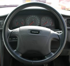 volvo_steering_wheel