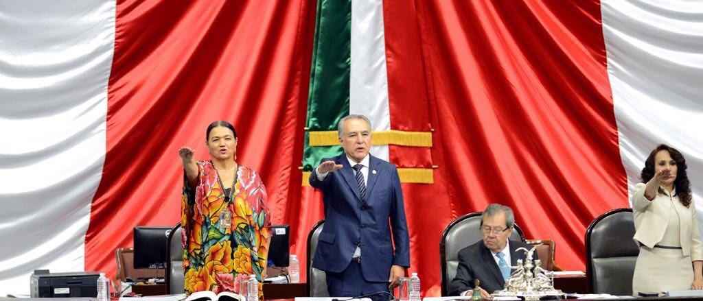 Adame Castillo toma protesta como diputado y asume la vice presidente de san Lázaro