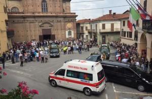 Il funerale di Carla nella parrocchia di Piasco - Foto 2 (La Stampa)