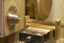 Threading suspension frame
