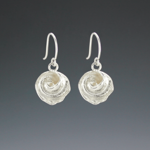 DaVine Jewelry, Silver Inner Shell Spiral Dangle Earrings