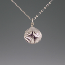 DaVine Jewelry, Silver Shell and White Pearl Pendant