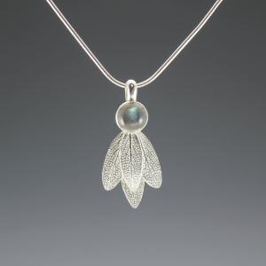 DaVine Jewelry, Sage Leaves and Labradorite Silver Pendant