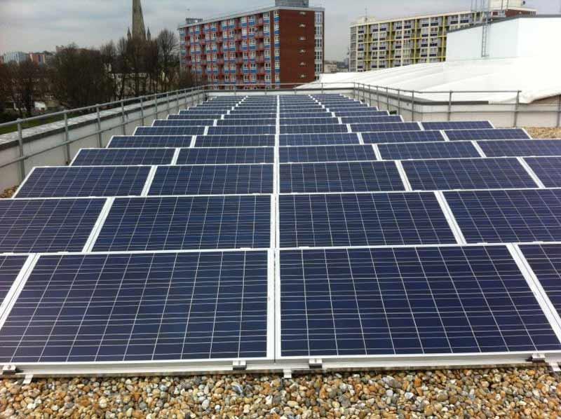 La Comisión Europea invertirá 97 millones para mejorar la eficiencia energética en edificios públicos y privados