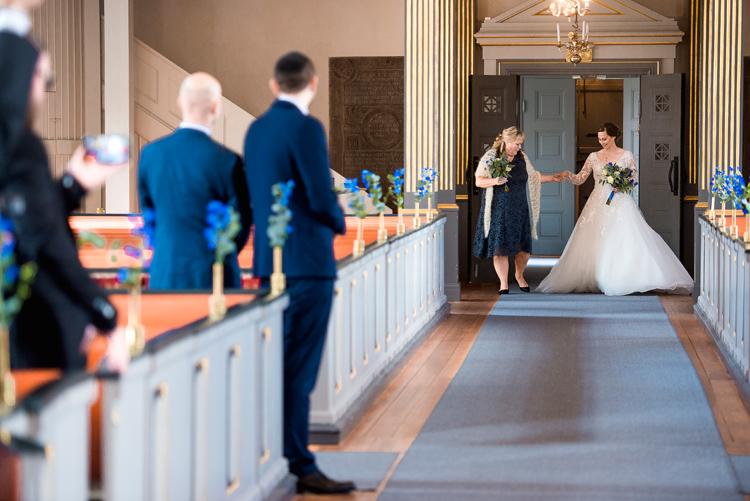 bröllop vårdnäs kyrka_bröllopsfotograf östergötland_02