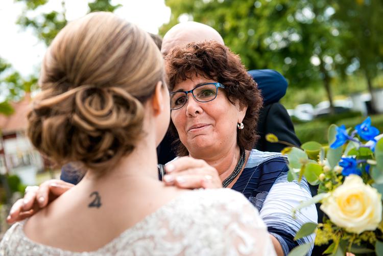 bröllop vårdnäs kyrka_bröllopsfotograf östergötland_13
