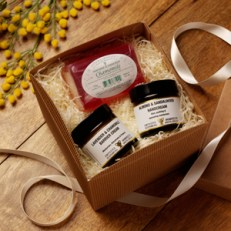 AMPHORA GOOD HANDS GIFT BOX