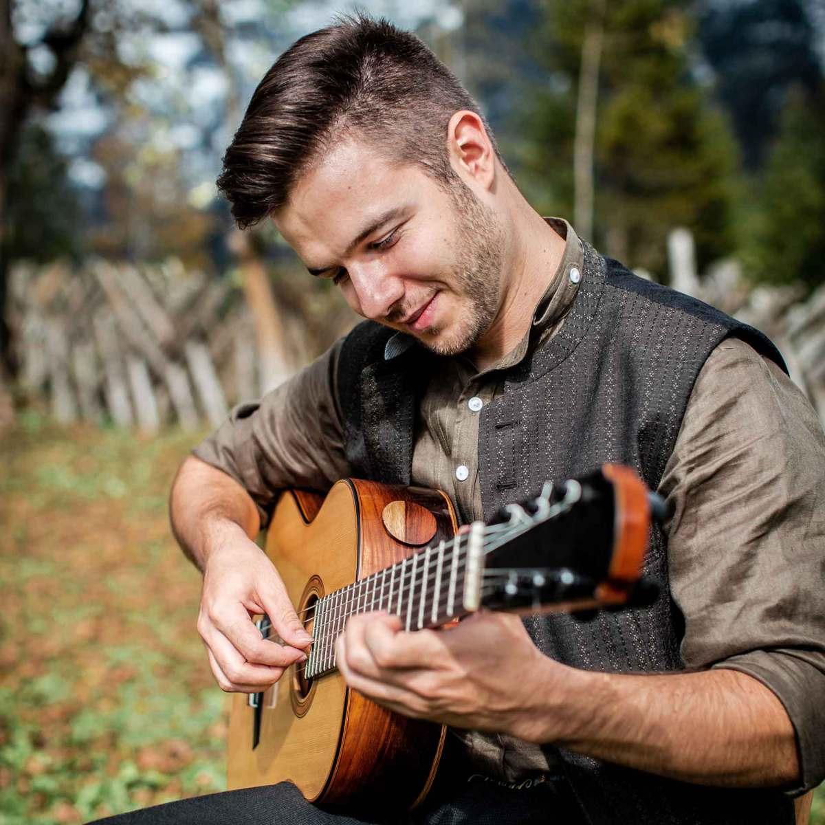 Volksmusik Gitarre Bassgänge Dominik Meißnitzer Melodiegitarre Begleitgitarre Harmonika Begleiten