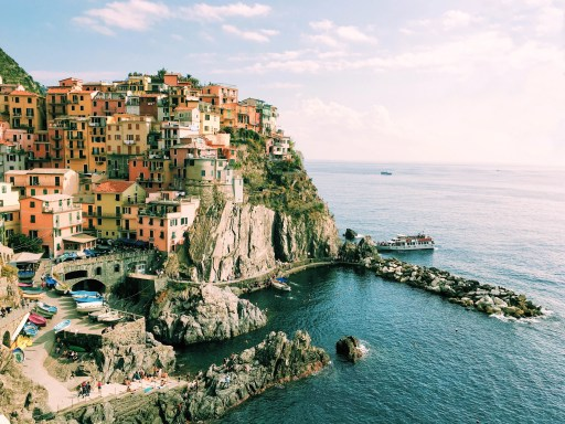Return to travel genuine Experience in Cinque Terre ItalyPhoto by Linh Nguyen on Unsplash