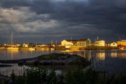 The calm before the storm, Tilting, Fogo Island
