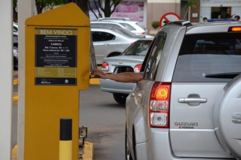 Gratuidade dos estacionamentos passa a vigorar a partir da próxima segunda-feira