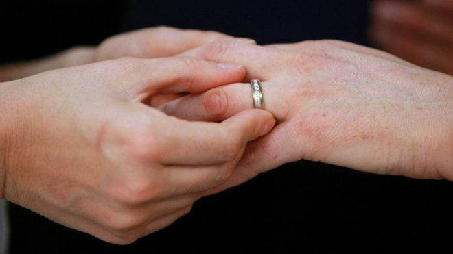 Igreja protestante aprova celebrar casamento gay
